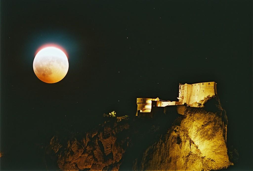 lunareclipse-mirkogovoni1